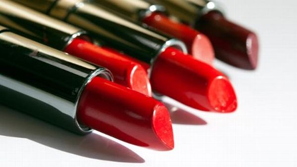 Red Lipstick: Simple Manual for Powerful Look