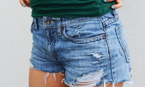 How to make denim shorts from your old jeans? - Fashion Corner