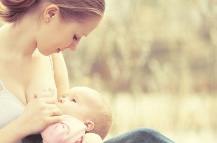 mom-breastfeeding-trends-2016