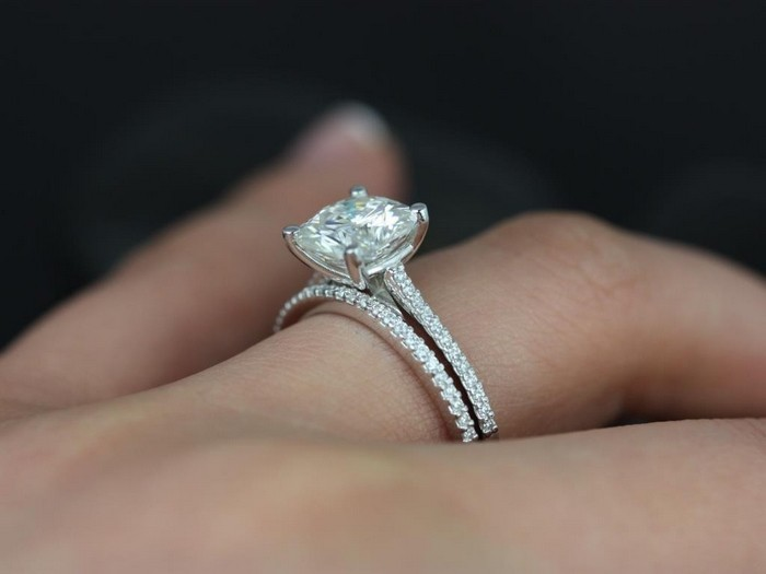 Things you Should Know Before Buying Moissanite Engagement Ring ...