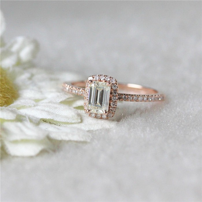Things you Should Know Before Buying Moissanite Ring for Your Girlfriend